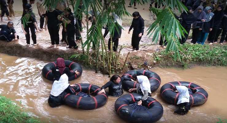 kegiatan-di-kampung-bamboo-outbound-lembang-bandung-Rovers-Adventure-Indonesia