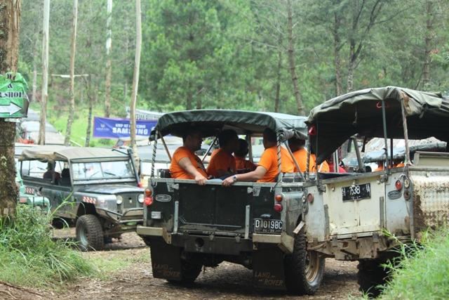 Fun Offroad Cikole Lembang Bandung - Rovers Adventure Indonesia