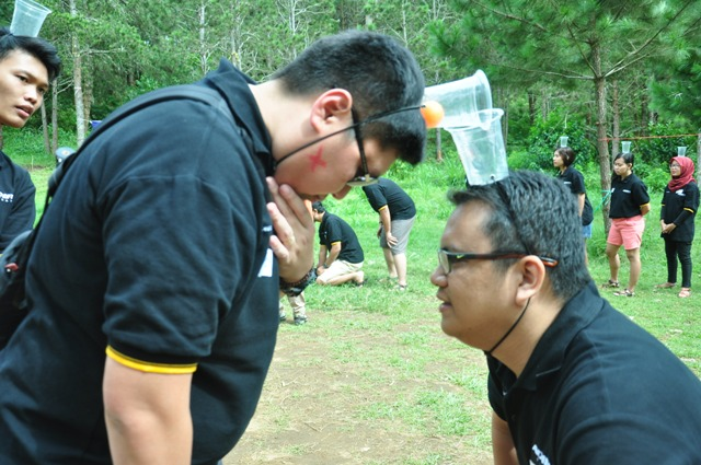 OUTBOUND MERUPAKAN-OUTBOUND LEMBANG BANDUNG-ROVERS ADVENTURE INDONESIA