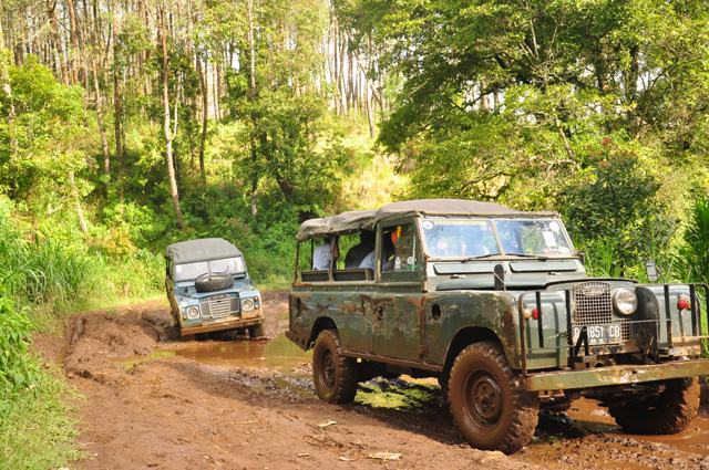 Paket Wisata Offroad Bandung - Rovers Adventure Indonesia