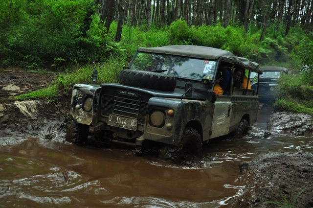Paket Wisata Offroad Bandung - Rovers Adventure Indonesia